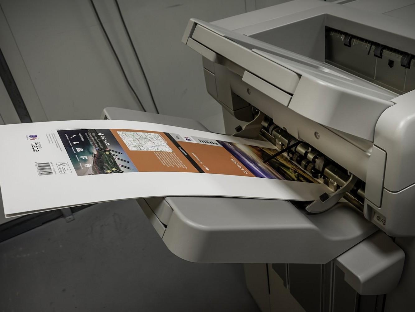 Medium format digital printing machine